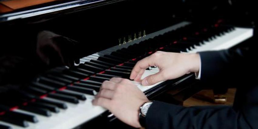 Piano Pearls am Klavier
