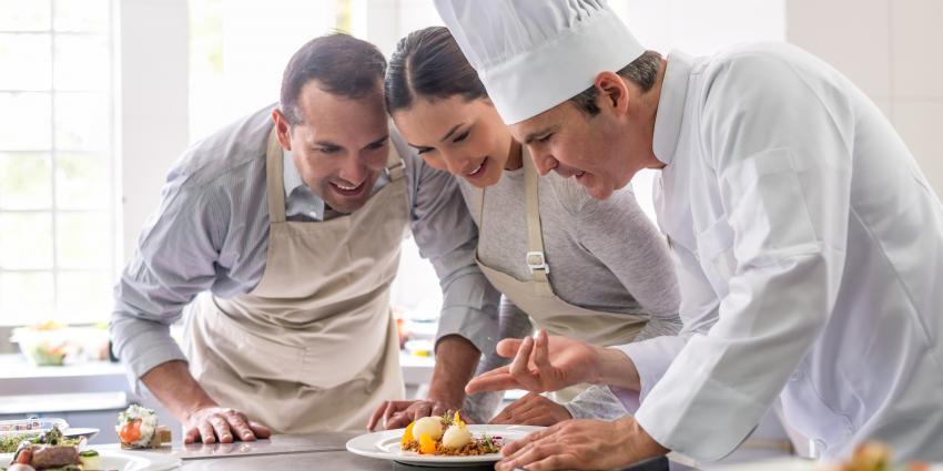 Kochkurs im Hotel: Bringen Sie Ihre Gäste auf den Geschmack!