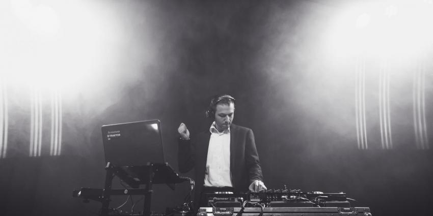 DJ Michael Silent am Mischpult