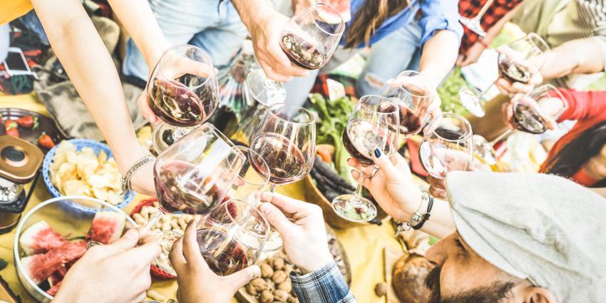 Weinfest als Vereinsfest: hoch die Schoppen!