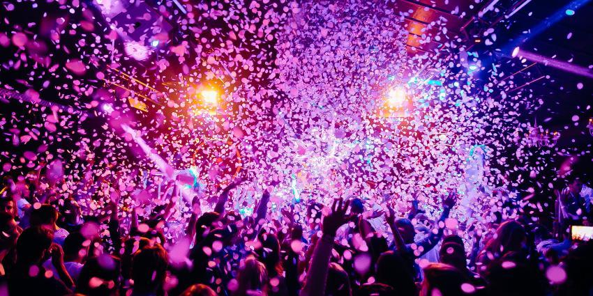 Schüler feiern Party