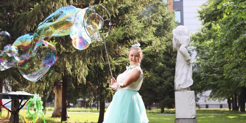 Künstler der Woche: Seifenblasenkünstlerin Ekaterina Kraft
