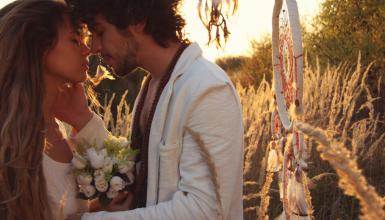 Hippie Hochzeit: Heiraten voller Love, Peace and Happiness