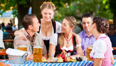 How to plan an Oktoberfest: Guideline for themed business events