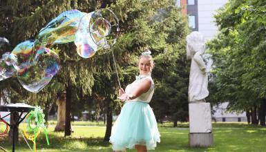 Interview mit Seifenblasenkünstlerin Ekaterina Kraft