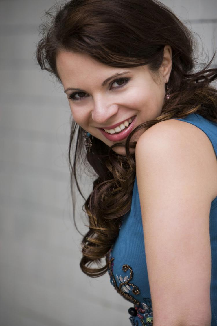 Vielseitige Sängerin Dina Regniet