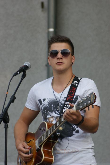Nick Noah: Sänger und Gitarrist