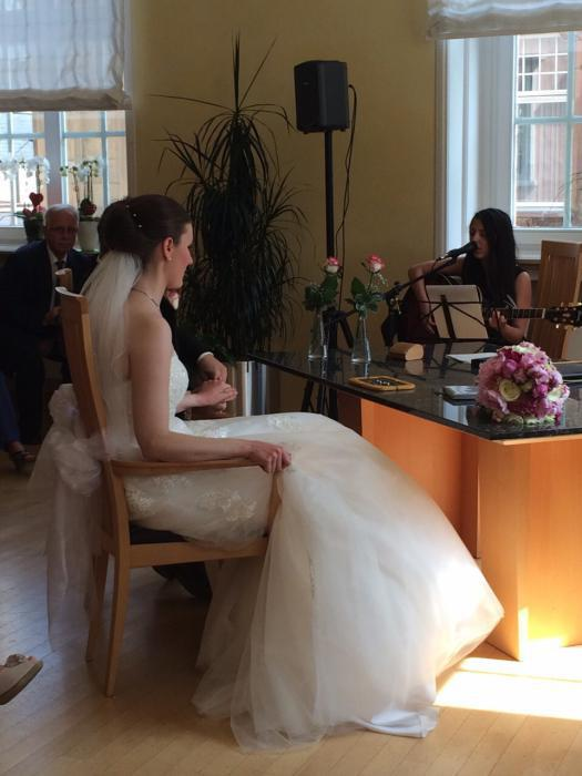 Sängerin Jaqueline Rubino bei einer Hochzeit