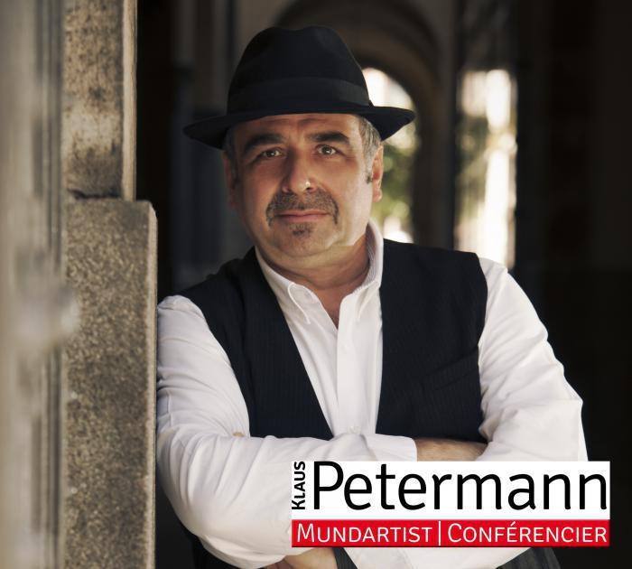 Der Mundartist und Conférencier Klaus Petermann