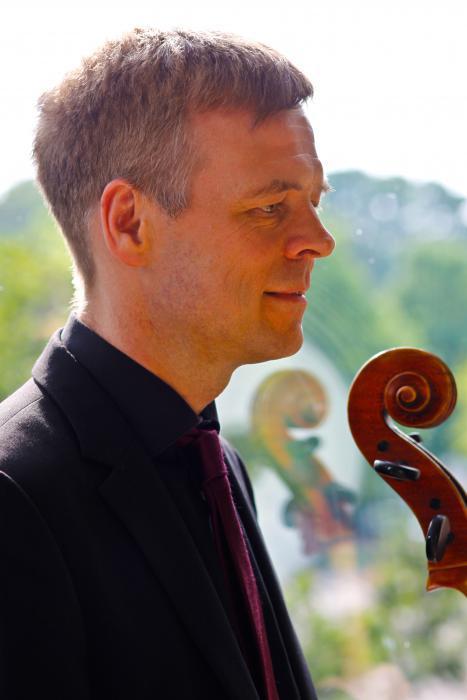 Der Cellist Rolf Herbrechtsmeyer
