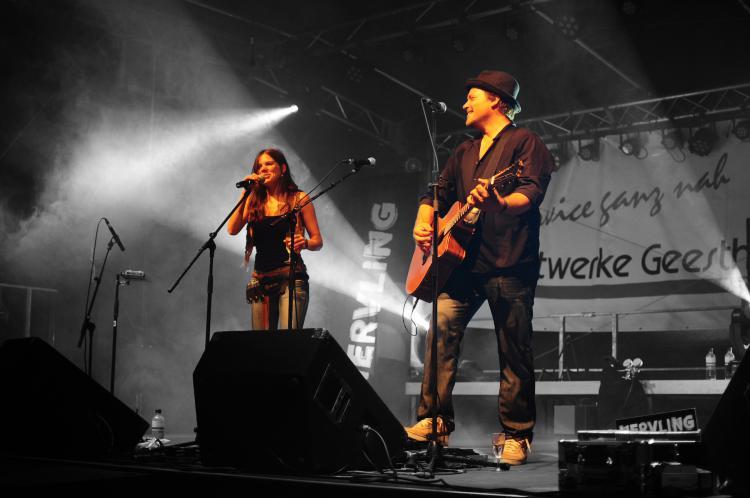 Die Band Nervling live auf der Bühne.