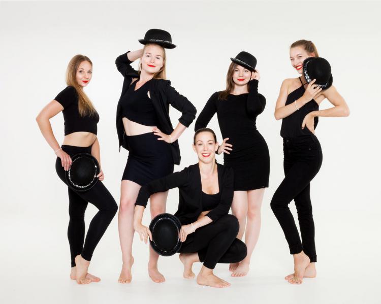 Frollein Danz Tanzgruppe schwarz