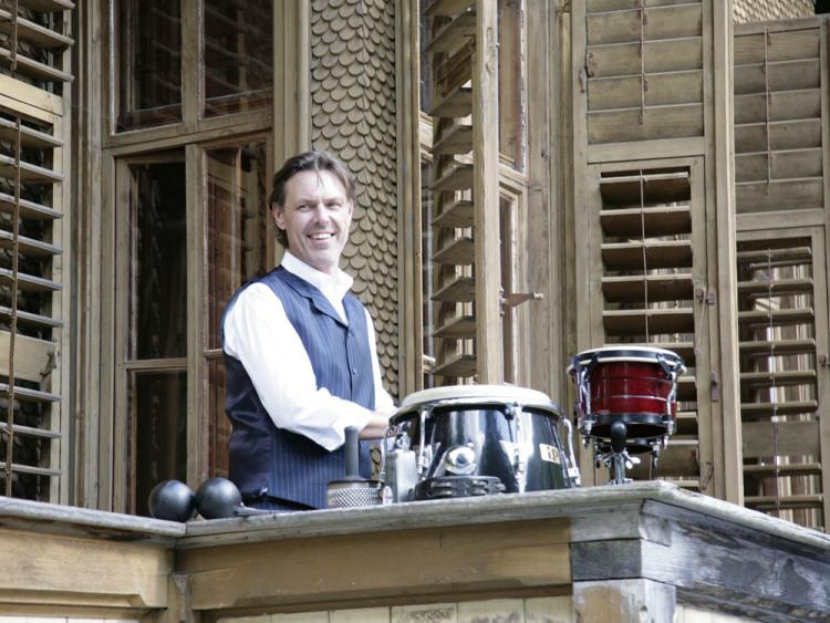 DJ Robert Kopp mit Drums