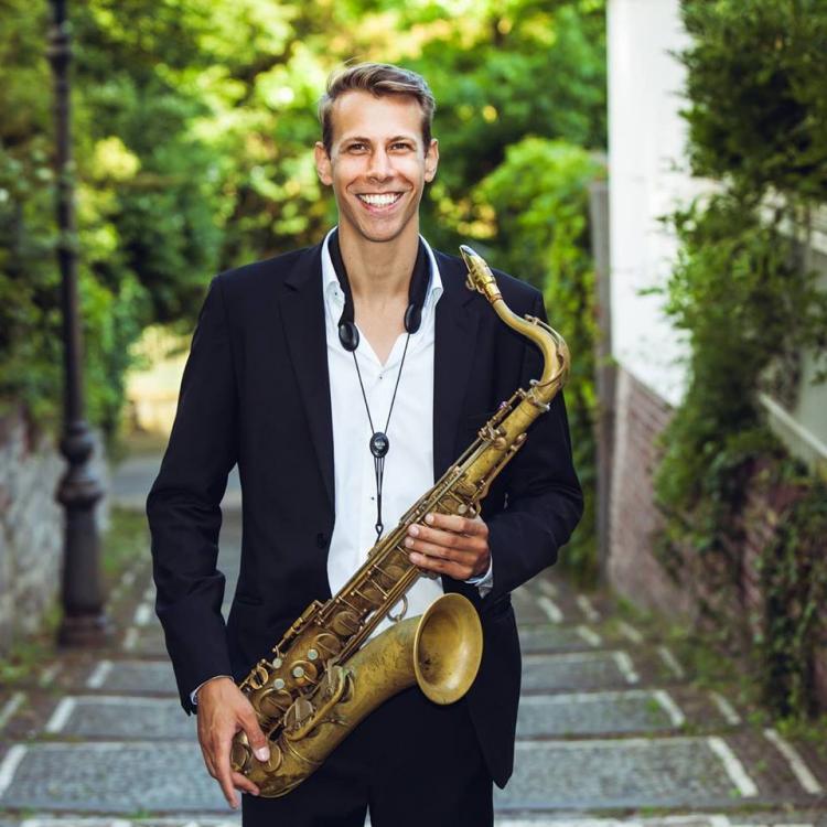 Axel Schmitt mit Saxophon