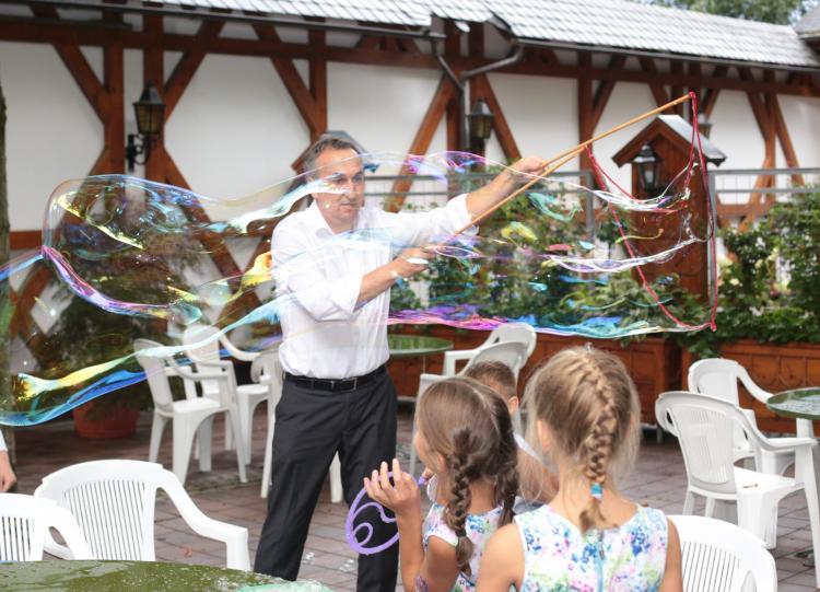 DJ Bernd Kinderanimation mit Seifenblasen