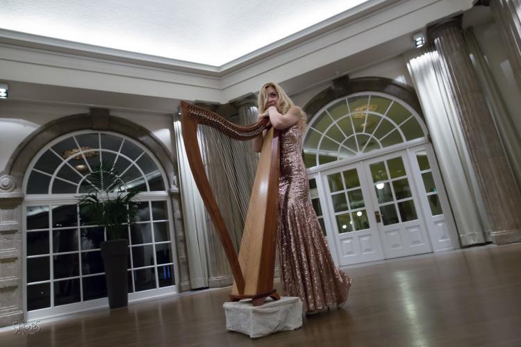 Saja-Christin mit Harfe Profilbild