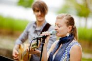Hochzeitssängerin Amor's Voice mit musikalischer Begleitung
