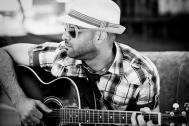 Jacinto Mendez - Sänger mit Gitarre