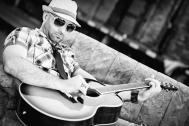 der erfahrene Musiker und Sänger Jacinto Mendez