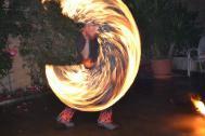 Das Feuerkünstler-Duo Feuergöttin und Burning George