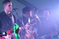 Musiker der Coverband Ablazed live beim Auftritt