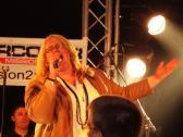 Gefühlvolle Sängerin Steffi Göddertz auf der Bühne