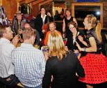 Die Hochzeitsband d-lite begeistert ihr Publikum.