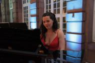 Jenny Schäuffelen am Klavier