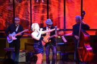 Die Sängerin Andrea Stjernedal mit Band