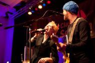 Sabine Heil rockt die Bühne mit Alex Auer