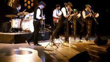 German Trombone Vibration haben Spaß auf der Bühne