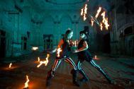 Auch Feuershows gehören zum Repertoire von Hammerflausch.