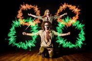 JAGO & L-ION bunte Feuershow.