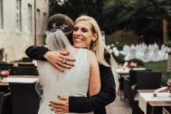 Rafaela, Umarmung mit Braut