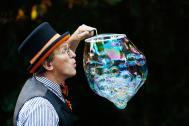 Rinaldo Seifenblasenkünstler Titelbild