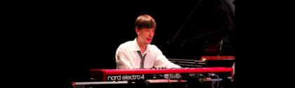 Philipp Standera am Keyboard