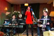 Helen Pfaff Sängerin Partyband Hochzeitssängerin DJ Hochzeitsband Solothurn Bern Basel Luzern Zürich