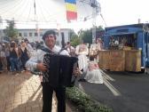 Akkordeonspieler Sergej Batt
