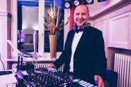 Thomas Milonas (Pianist und Party DJ)