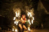 AURORA - Stelzen & Feuer