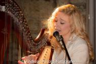 Saja-Christin (Harfe & Gesang)