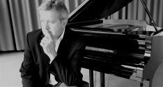 Ralf Meyer-Natus (Solo oder Band)