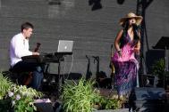 Helen Pfaff-Sängerin- DJ- Partyband/Schweiz Zürich Bern Basel Luzern Hochzeitsband Hochzeitssängerin