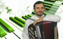 Akkordeonspieler Alexander Snesar