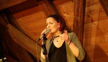 Claudia Decker - Sängerin