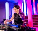 Alegra Cole, DJane für Messen, Business Events, Dinner Parties, Shopping & private Events!