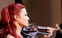 Hel in Person - Gesang / Violine