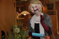 Maskenfrau Theofine