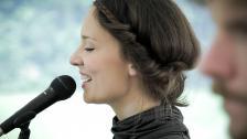Freie Hochzeitsrede & -Gesang | Linda Stark