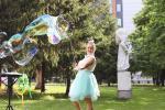 Seifenblasenkünstlerin Ekaterina Kraft